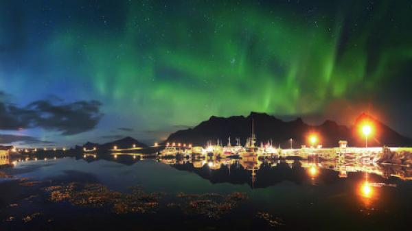 Northern lights' 'social networking' reveals true scale of magnetic storms