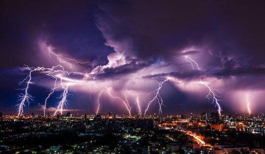 Lightning storm (stock image). Credit: © stnazkul / Adobe Stock